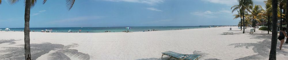 Fort_Lauderdale_beach_panorama.jpg