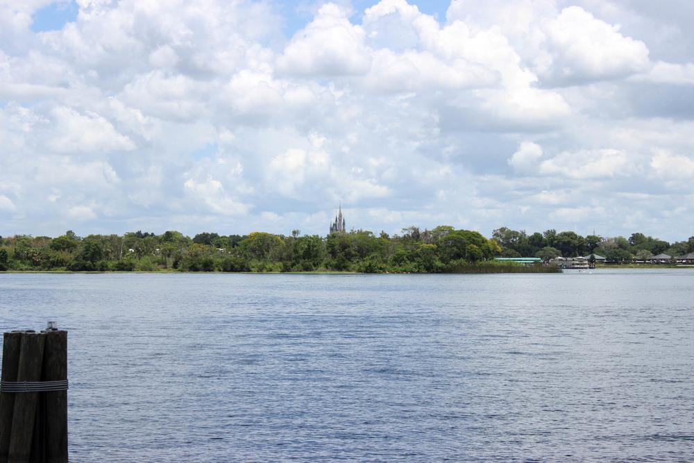 El Castillo de Cenicienta desde la terraza del Bungalow