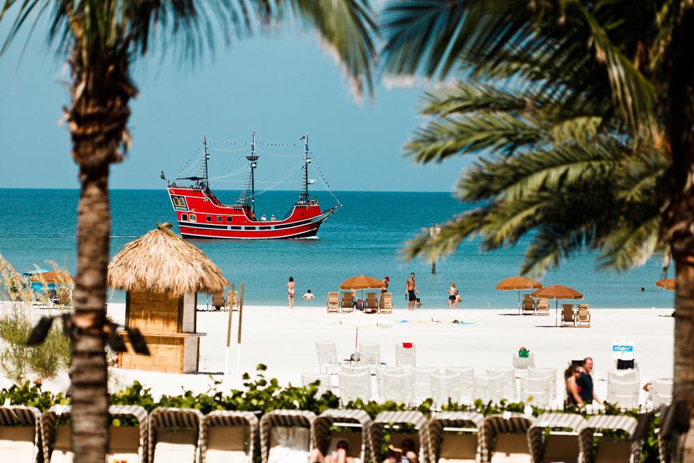 Clearwater_Beach_-_Pirate_Ship.jpg
