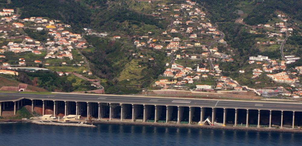 Aeroporto da Madeira_runway