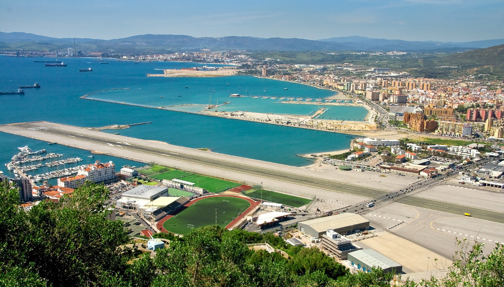 Gibraltar_Airport_Main_Highway.jpg
