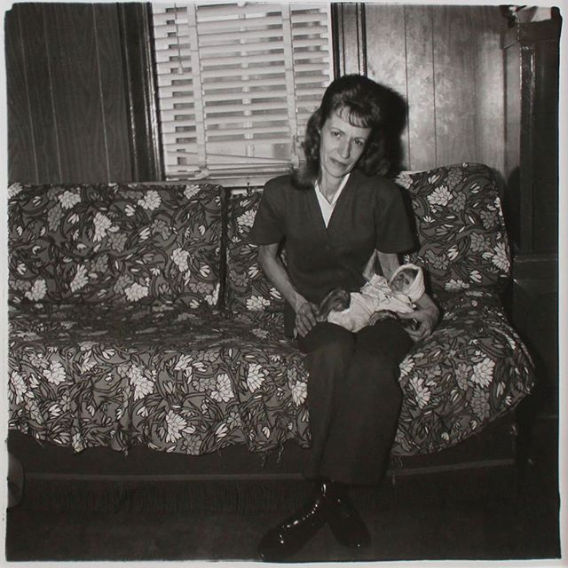 Diane Arbus⠀ (1923-1971)⠀ A Woman with Her Baby Monkey, 1971/Printed Later⠀ Gelatin silver print, printed later by Neil Selkirk⠀ From a limited edition of 75⠀ Signed, titled, numbered and stamped by Doon Arbus on Verso; The Estate of Diane Arbus stamp on verso⠀ Image: 14 x 14 inches; Framed: 24.75 x 24.75 inches⠀ Estimate: $8,000/$12,000⠀ ⠀ ⠀ Visit SMAUCTIONS.COM for full catalogue and more information regarding Santa Monica Auctions October 7th Auction. ⠀  #art #auction #buyart #smauctions #bergamot #sellart #forsale #contemporaryart #auctionhouse #consignment #artcollector #collector #liveauction #auctioneer #photography #photographer #photo #contemporaryphotography #artist #dianearbusphotography