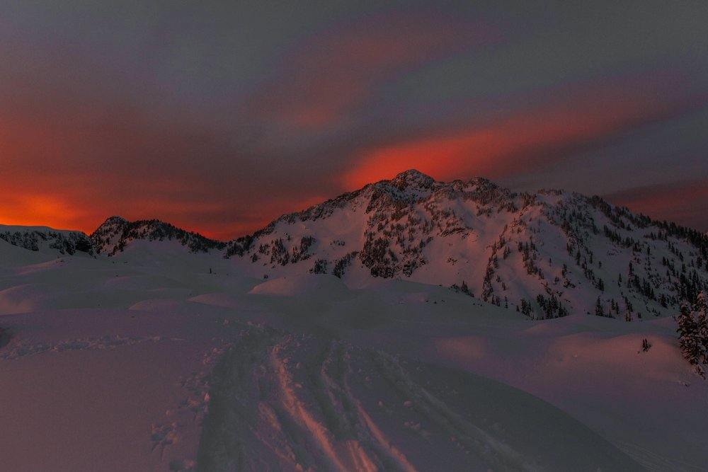 north-cascades-mount-baker-snow-camping-sunset.jpg