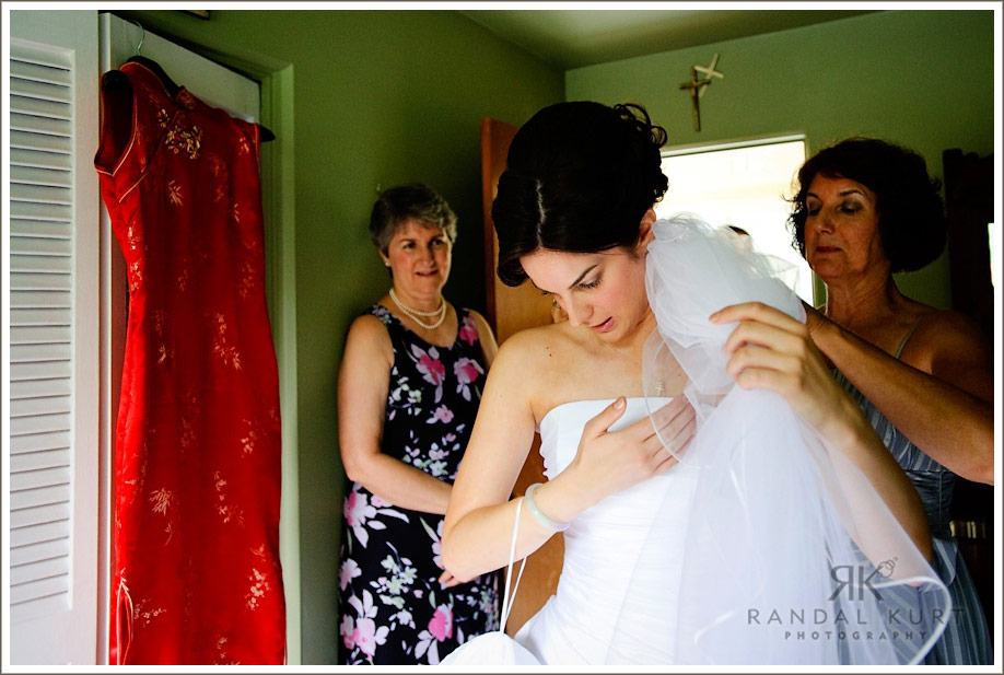 The final touches on the wedding dress