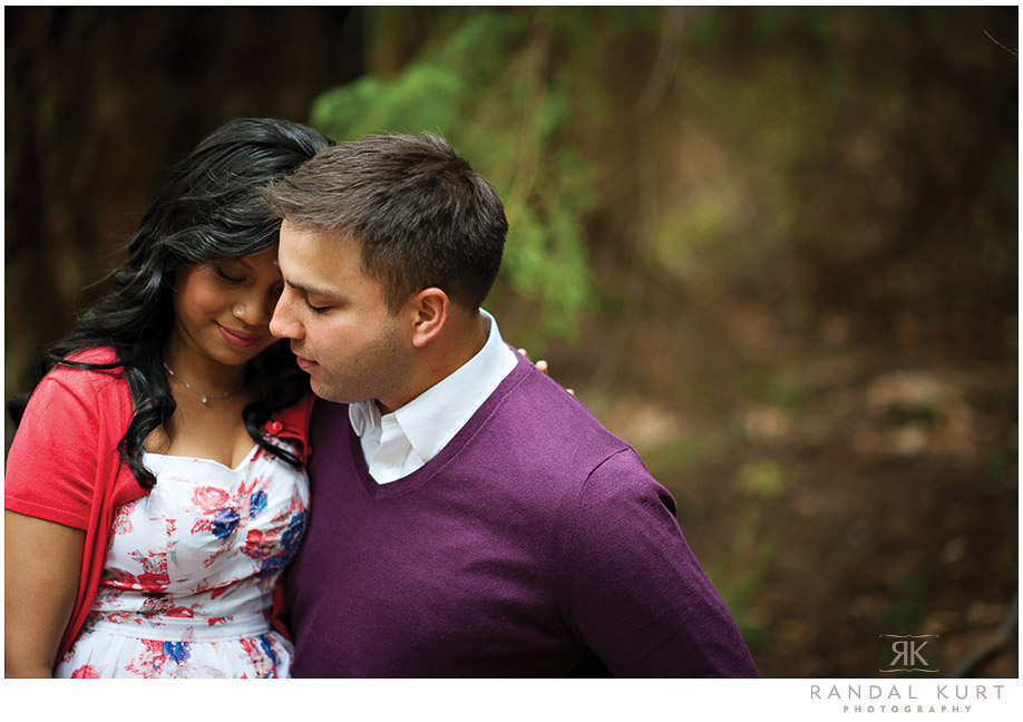 An engagement session in Lighthouse Park, West Vancouver. Photography by Randal Kurt Photography, wedding photographers.