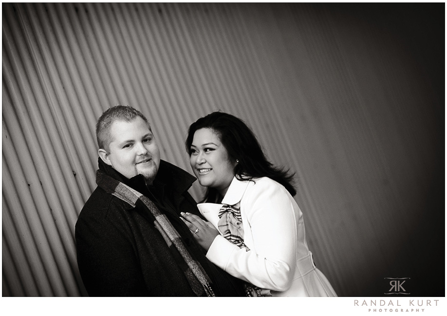 An evening couple session on Granville Island - Photography by Randal Kurt Photography, Wedding Photographers