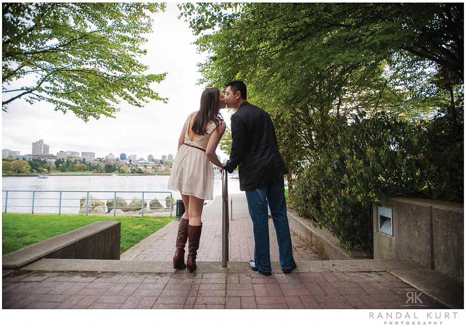 yaletown-engagement-session