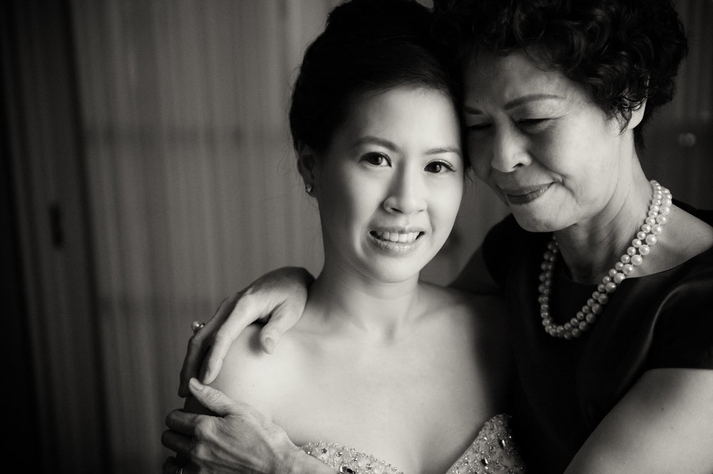 Middy and her mom getting ready at the Fairmont Hotel Vancouver | Image by Randal Kurt Photography