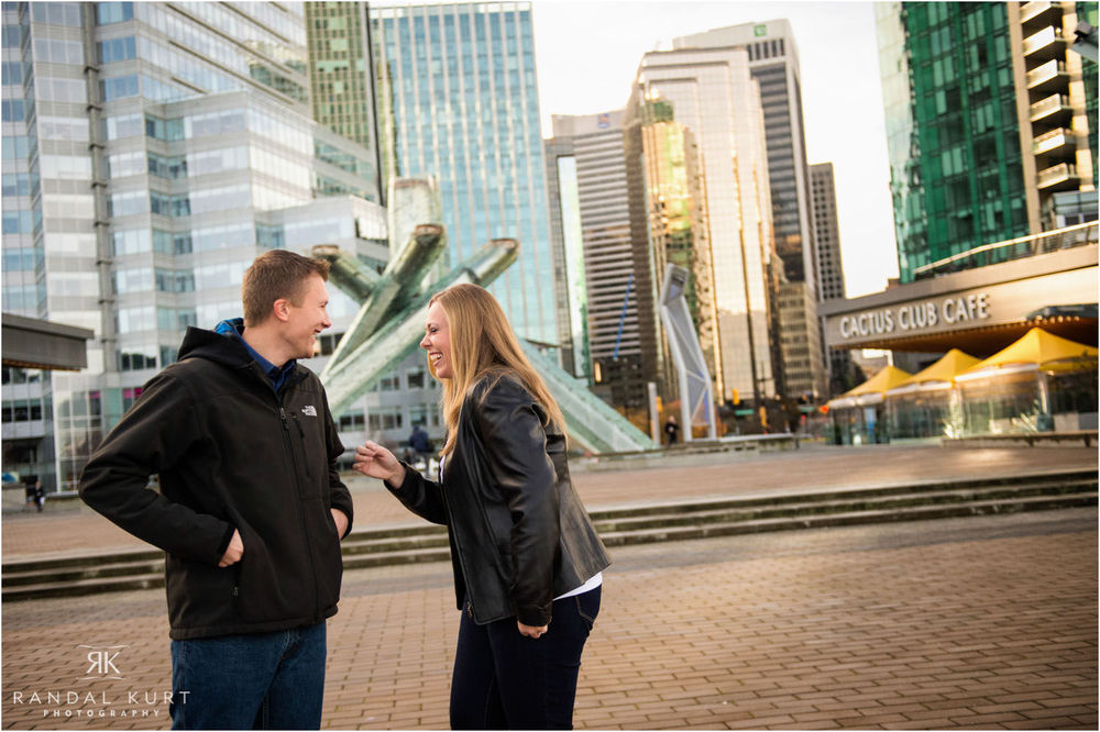 03-engagement-session-coal-harbour.jpg