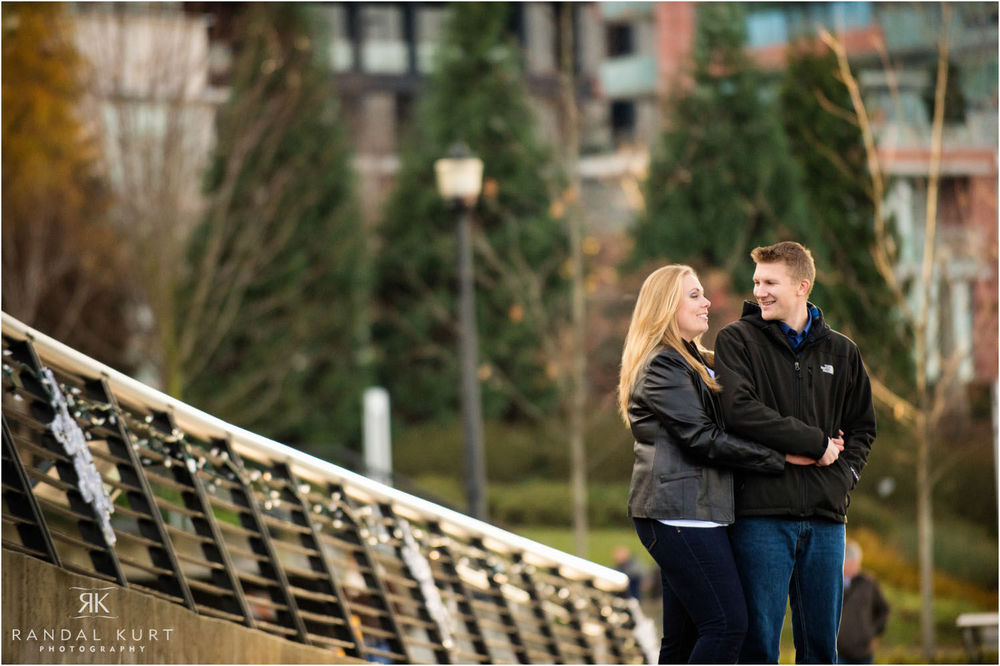 06-engagement-session-coal-harbour.jpg