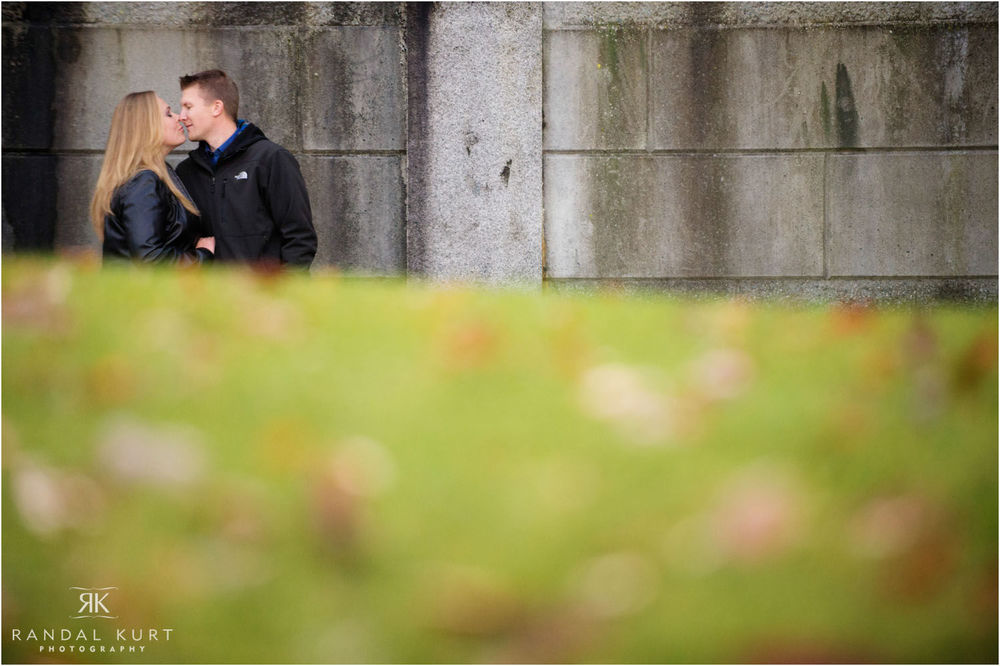 08-engagement-session-coal-harbour.jpg