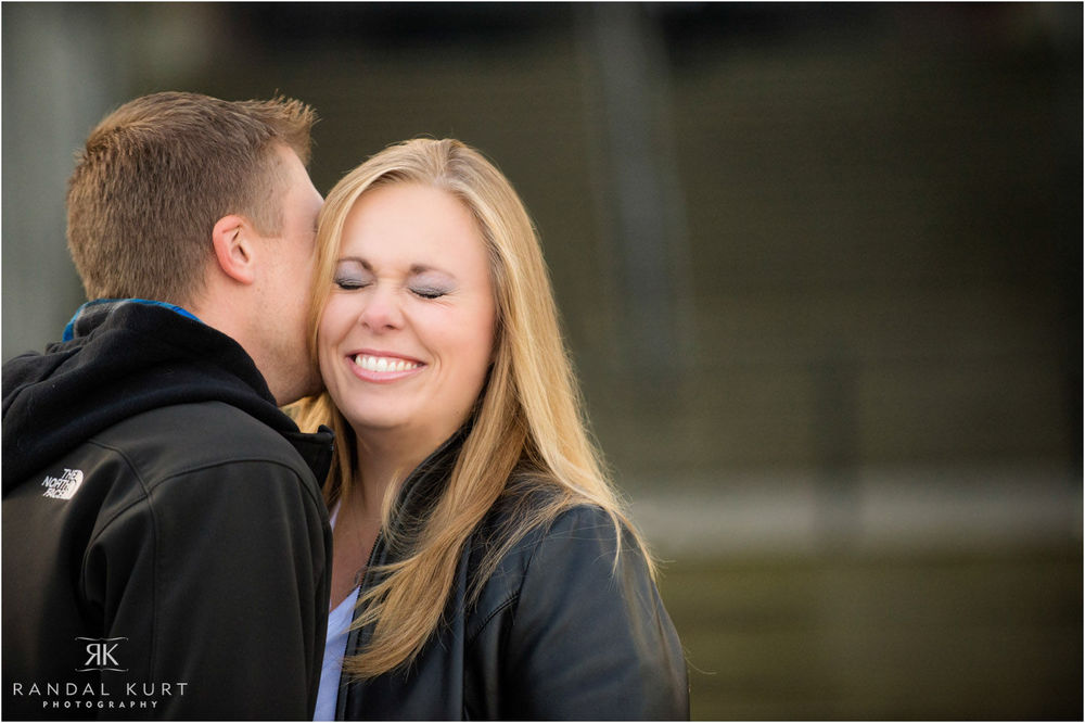 11-engagement-session-coal-harbour.jpg