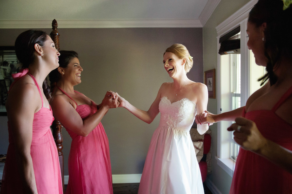 06-happy-with-her-bridesmaids.jpg