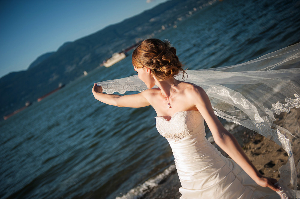 14-vancouver-beach-wedding.jpg