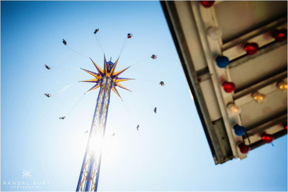 06-playland-engagement-session.jpg