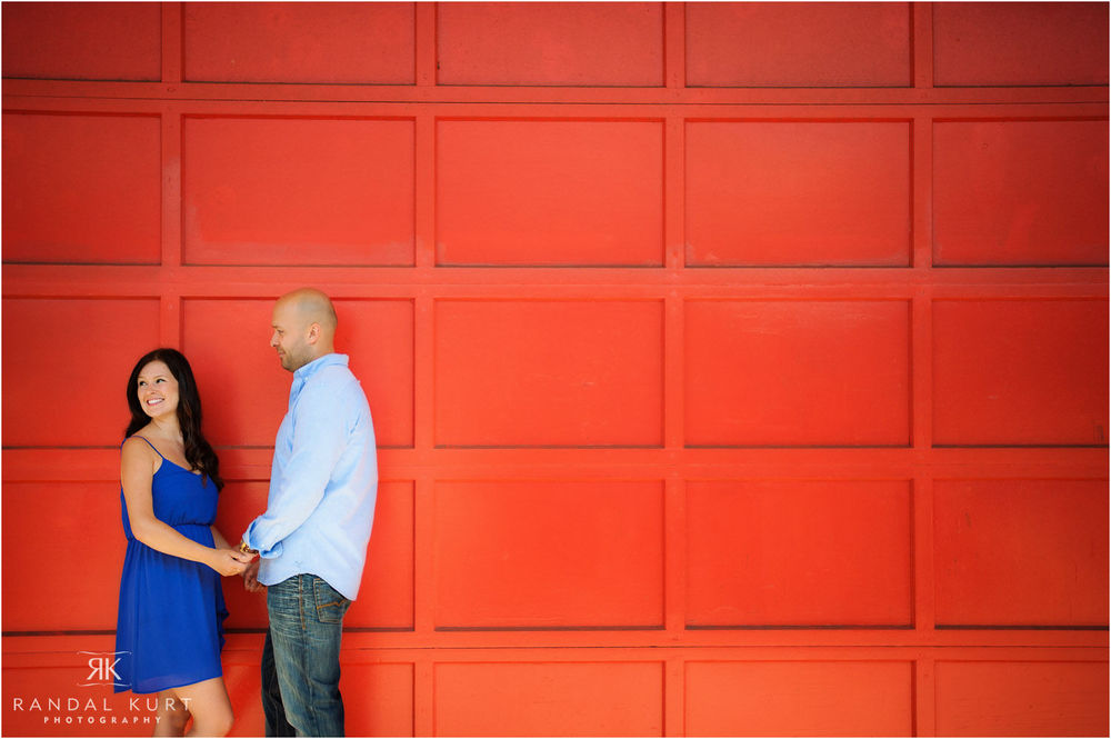 09-playland-engagement-session.jpg