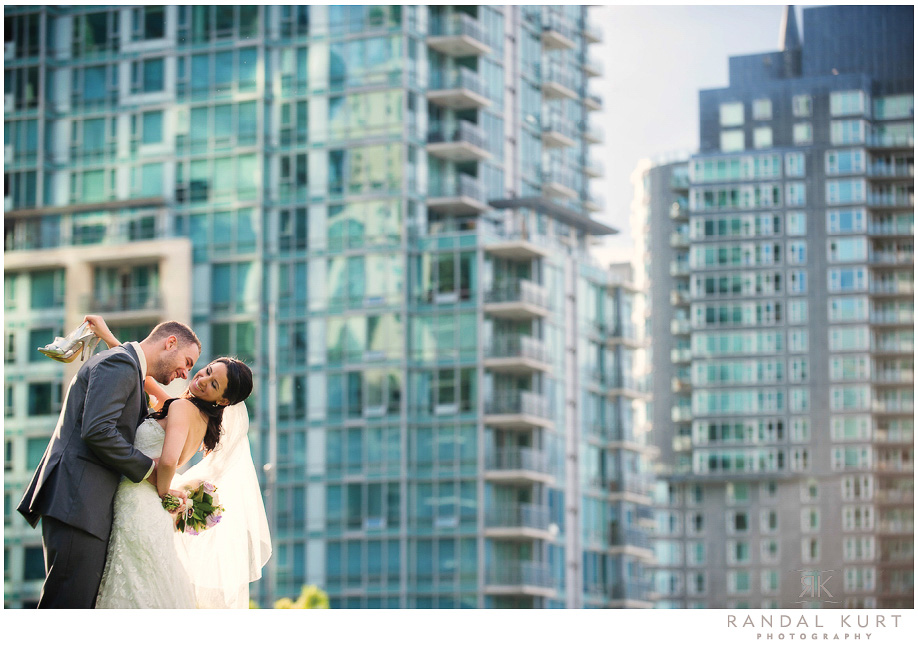 23-coal-harbour-wedding.jpg