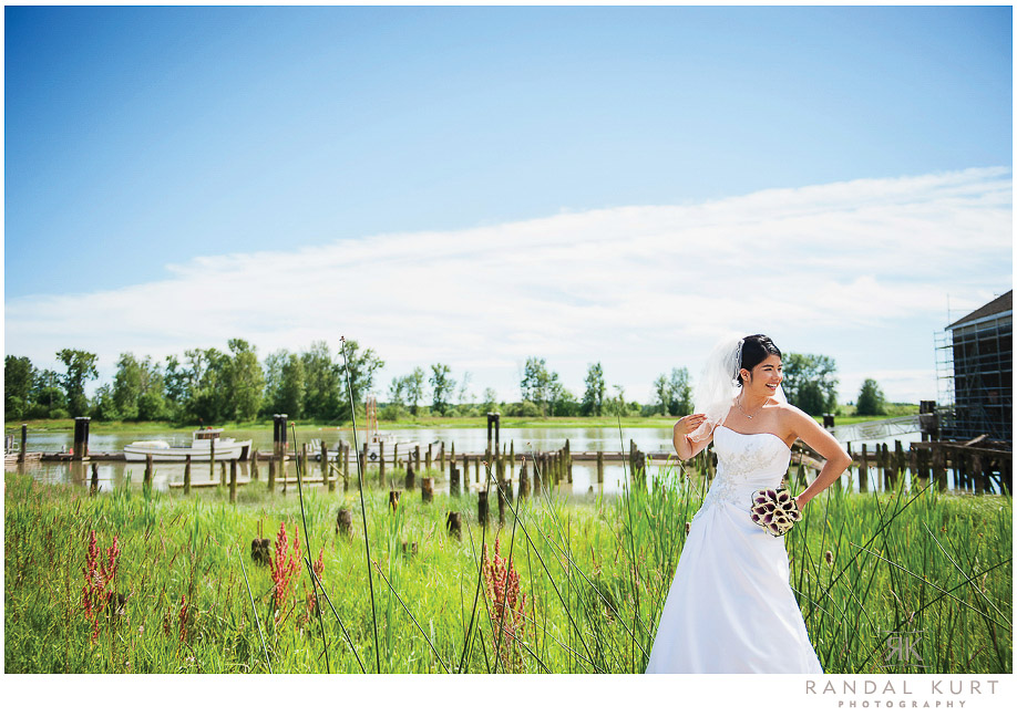 26-mayfair-lakes-wedding.jpg