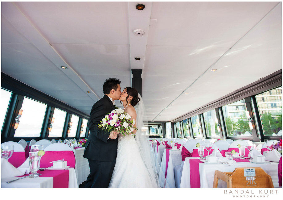 38-vancouver-wedding-yacht.jpg