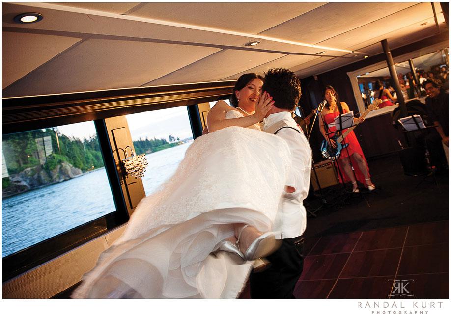 47-vancouver-wedding-yacht.jpg