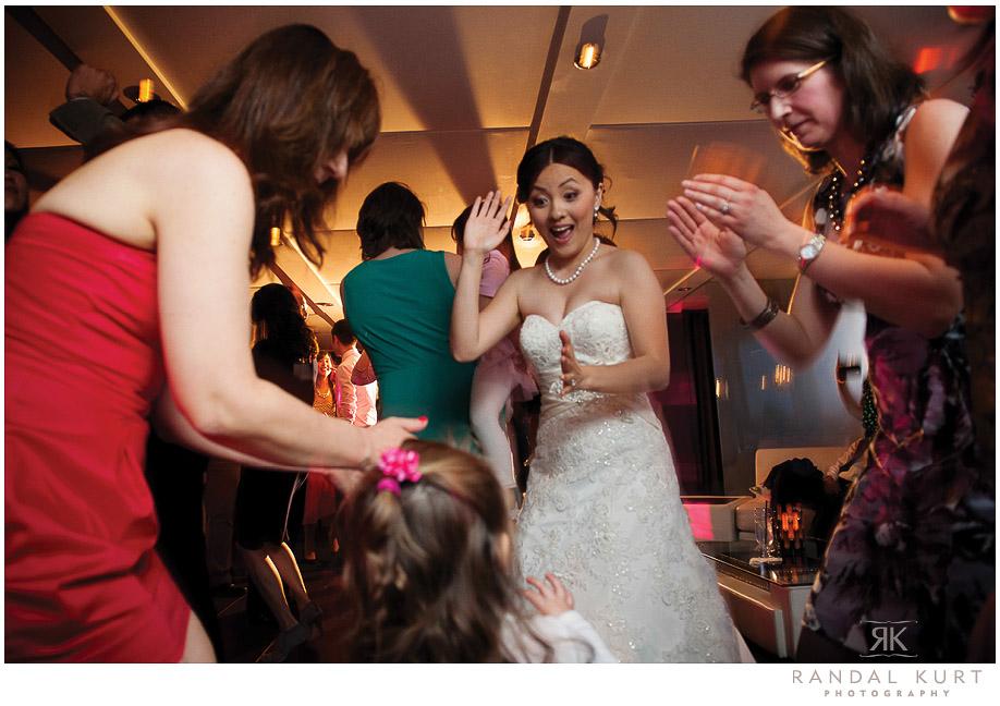 48-vancouver-wedding-yacht.jpg