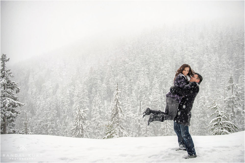 17-grouse-mountain-engagement-session.jpg