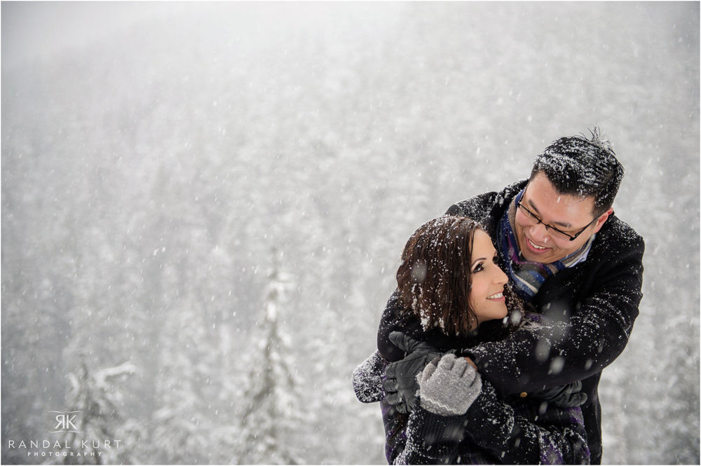 18-grouse-mountain-engagement-session.jpg