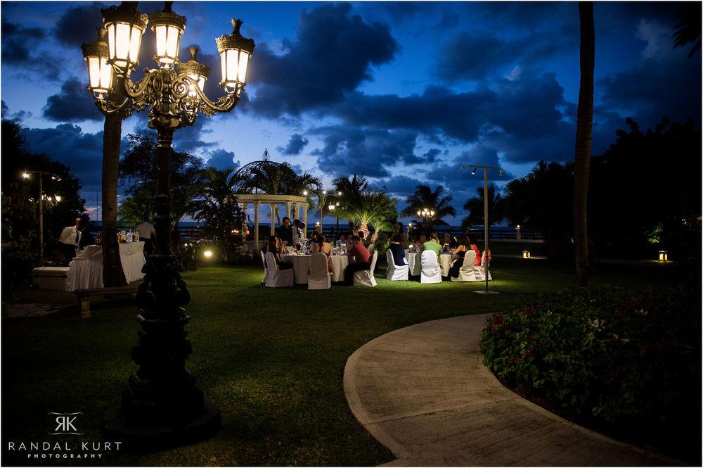 04-antigua-destination-wedding.jpg