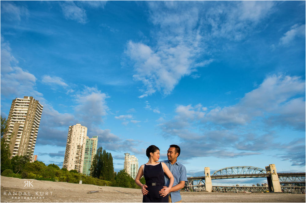 08-vancouver-sunset-engagement.jpg