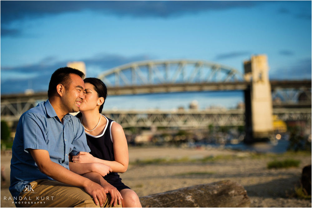 09-vancouver-sunset-engagement.jpg
