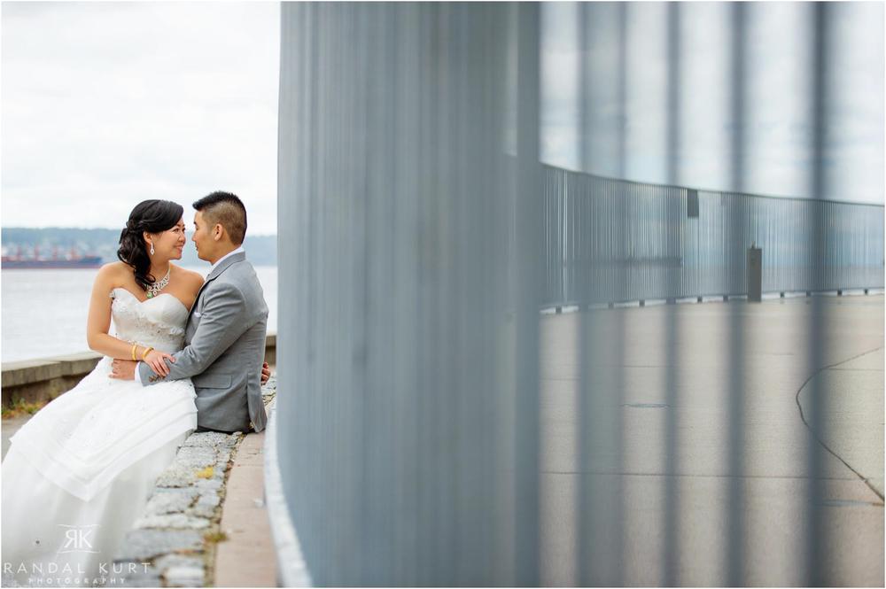 03-vancouver-aquarium-wedding-photography.jpg