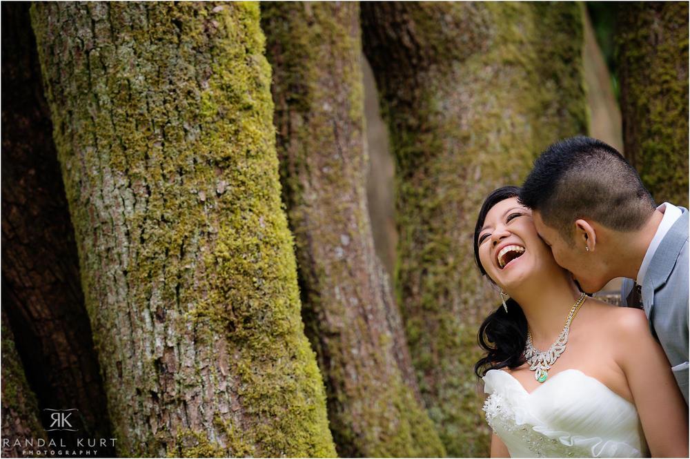 04-vancouver-aquarium-wedding-photography.jpg