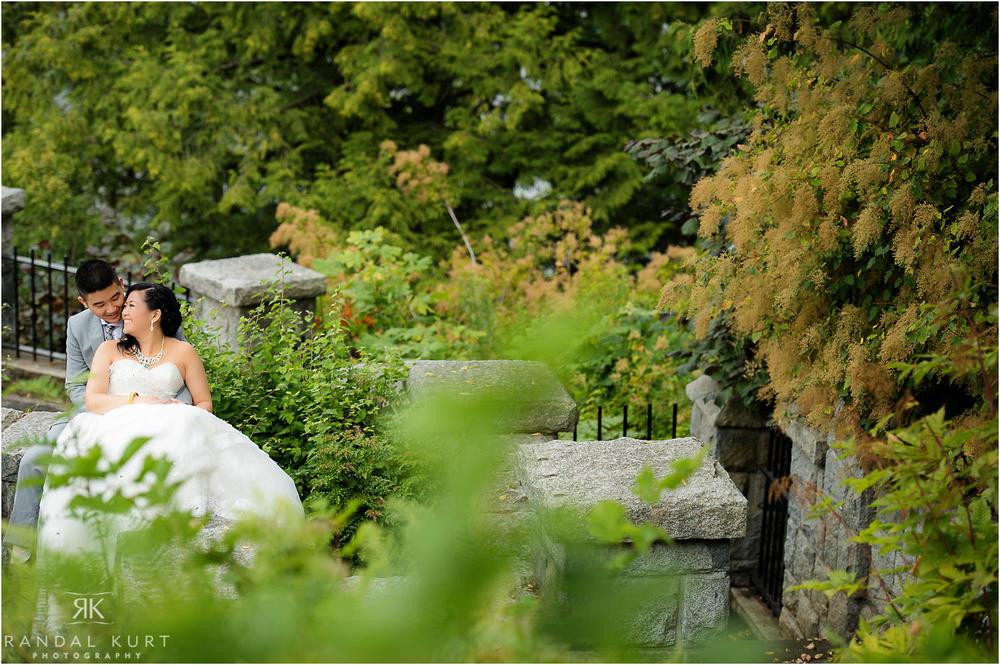 12-vancouver-aquarium-wedding-photography.jpg