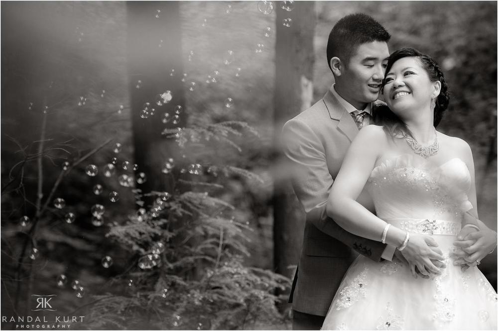 15-vancouver-aquarium-wedding-photography.jpg