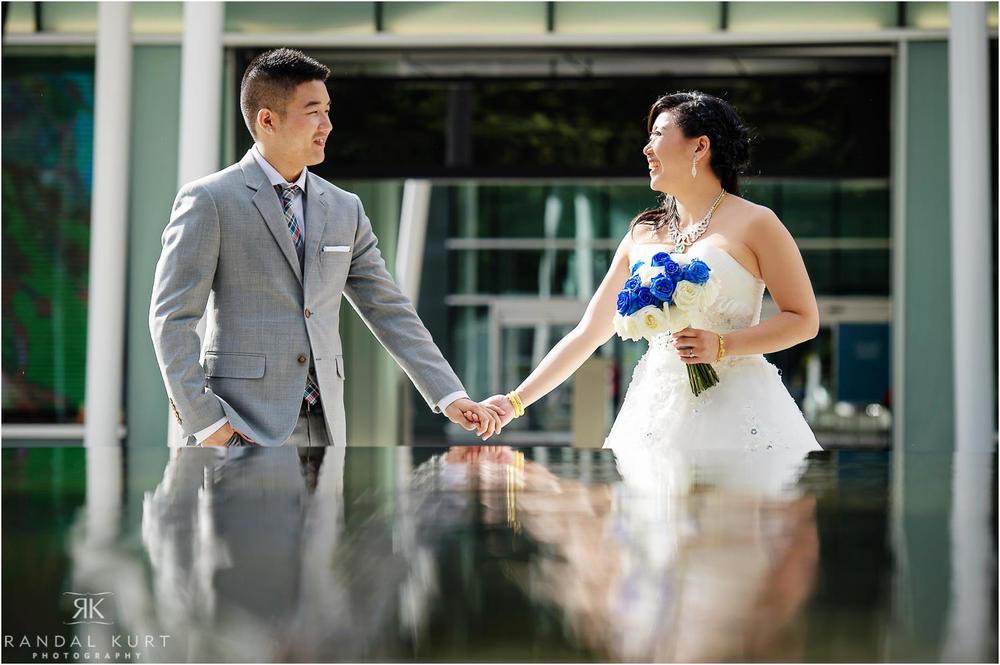 18-vancouver-aquarium-wedding-photography.jpg