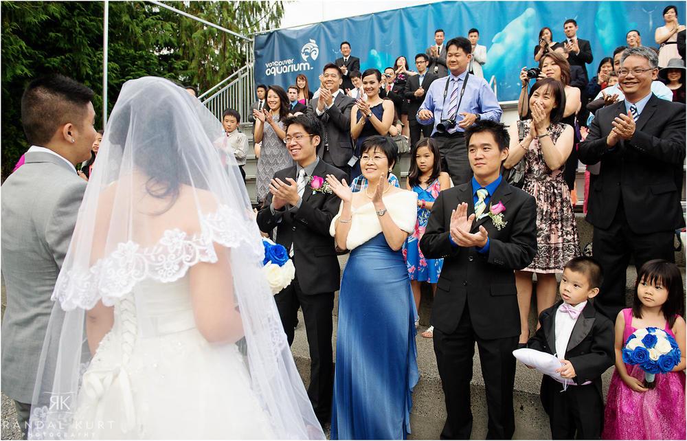 31-vancouver-aquarium-wedding-photography.jpg