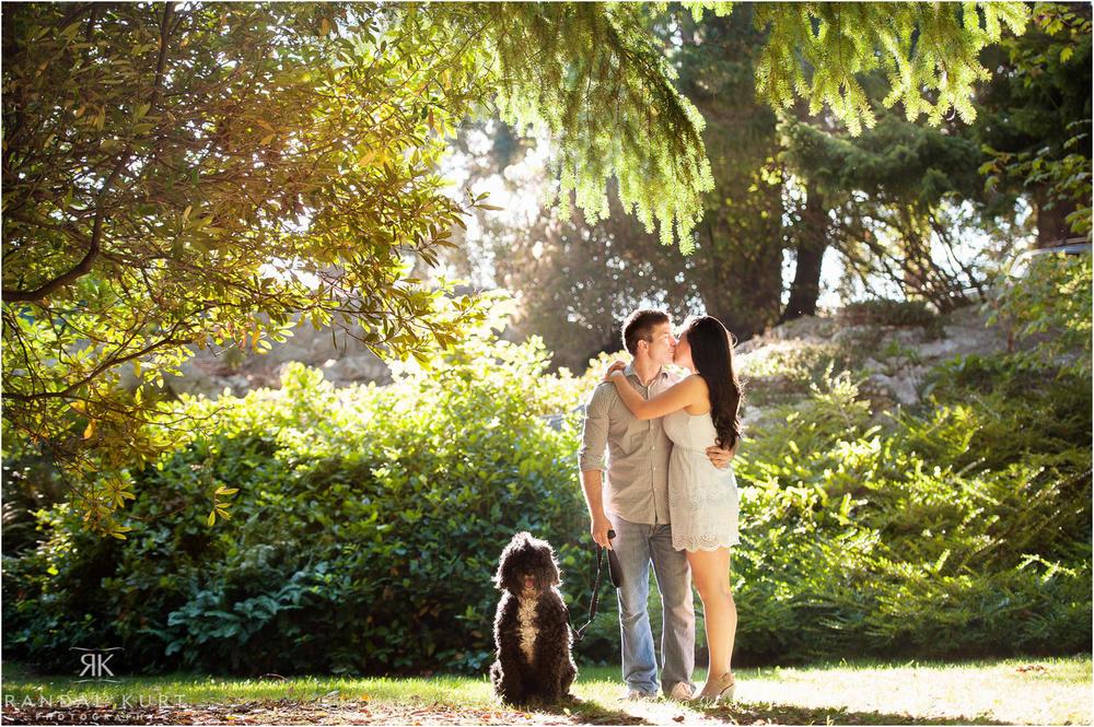 01-whytecliff-park-engagement.jpg