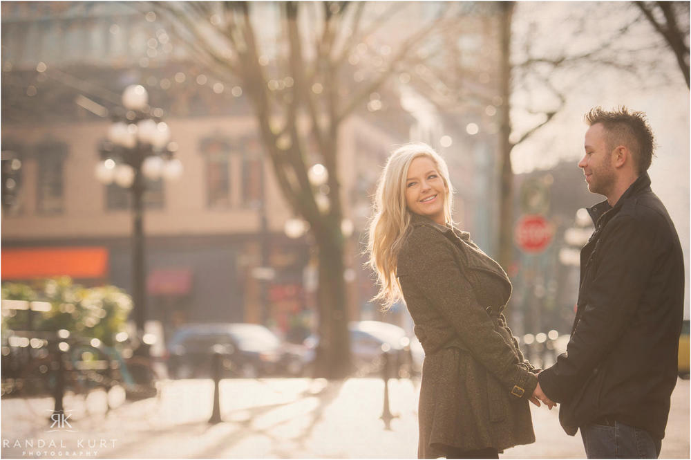 02-gastown-engagement-session.jpg