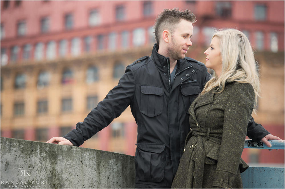 14-gastown-engagement-session.jpg