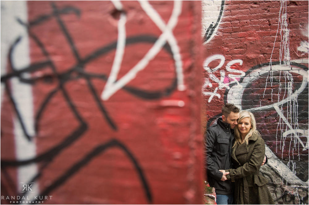 17-gastown-engagement-session.jpg