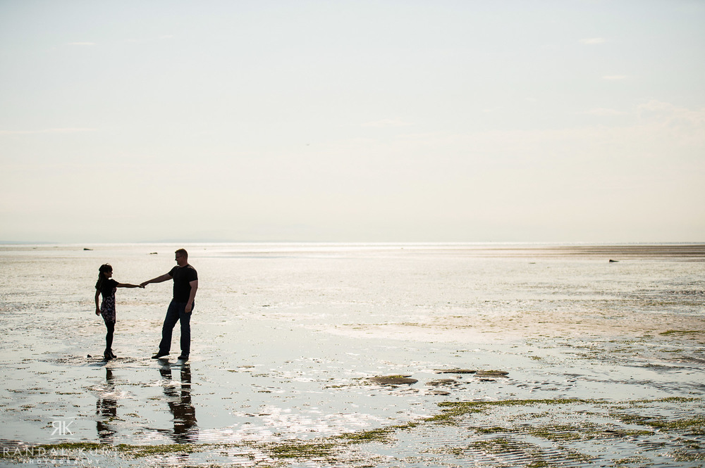 13-iona-beach-couple-session.jpg
