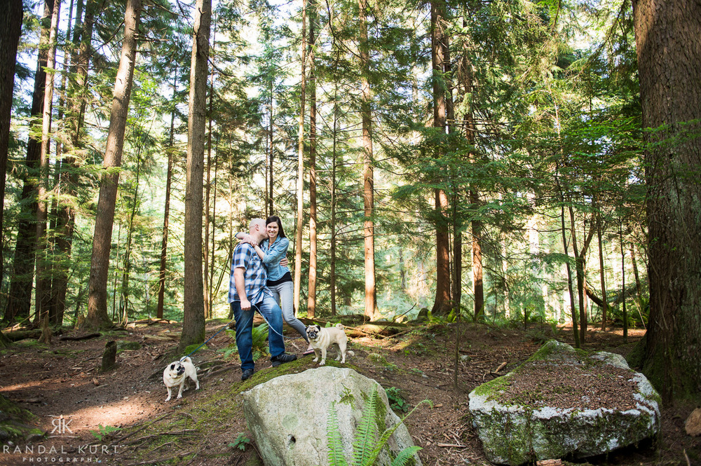 08-forest-engagement-session.jpg