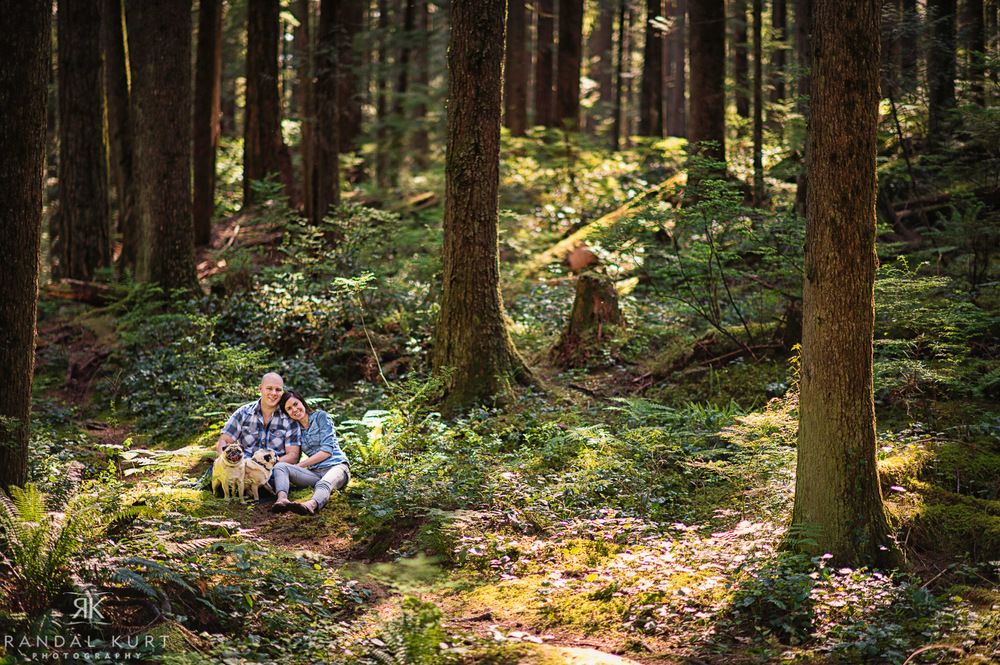 09-forest-engagement-session.jpg