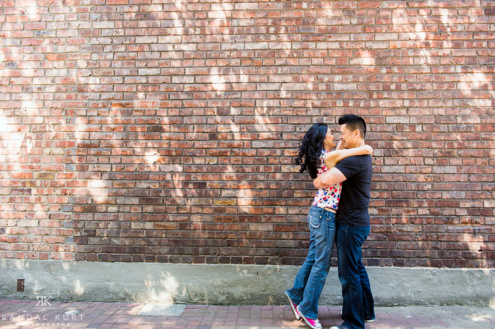09-yaletown-engagement-sessions.jpg