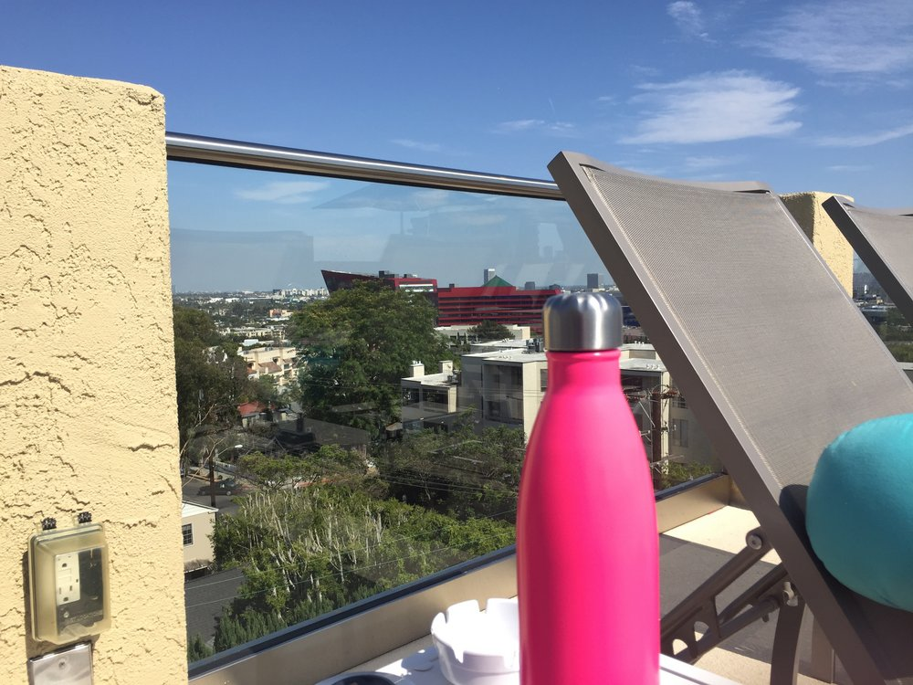 swell-hot-pink-water-bottle
