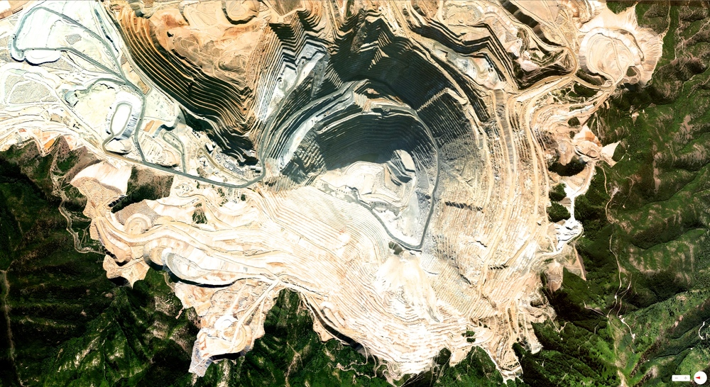 1/11/2014    Bingham Canyon Mine   Salt Lake City, Utah, USA   40.523°N 112.151°W
