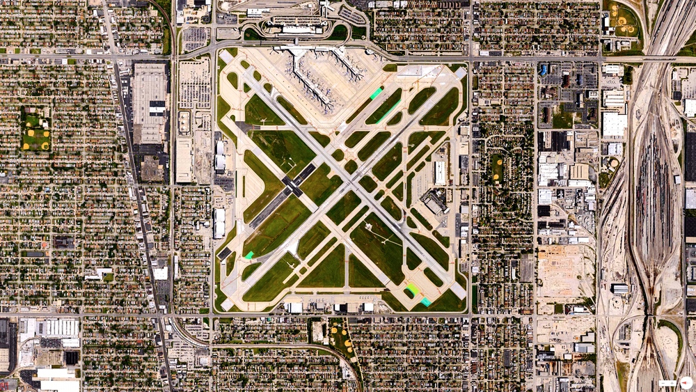 2/21/2014    Chicago Midway International Airport   Chicago, Illinois, United States   41°47′10″N 87°45′09″W