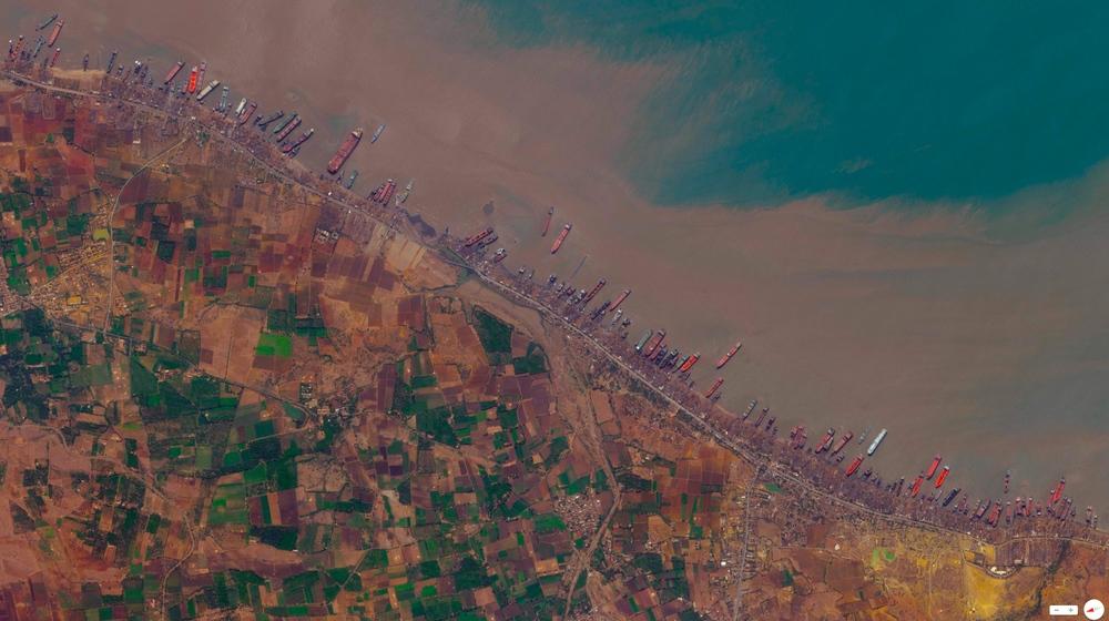 4/9/2014 Alang Ship-breaking yards Alang,Gujarat, India 21.412082°N 72.202749°E