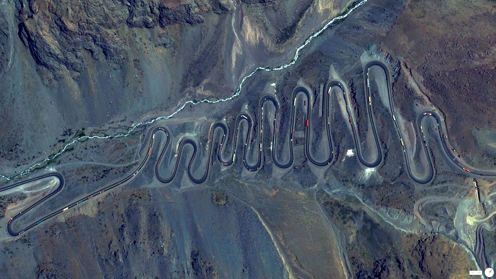 "4/11/2014 Los Caracoles Pass Los Andes, Chile 32°51'6""S 70°8'16""W"