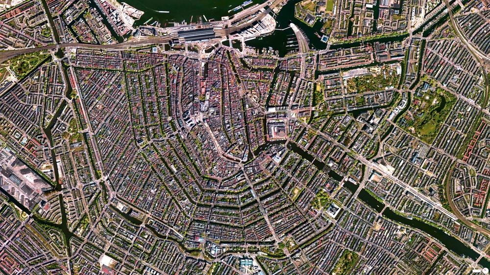 4/25/2014 Grachten Amsterdam, Netherlands 52°22′N4°54′E